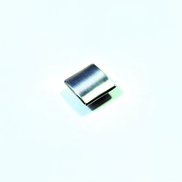 Urbana-Bolt-Cover-nickel